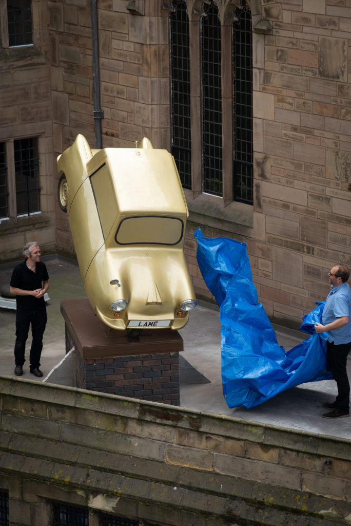 "Powerful sculpture ""Gold Lamé"" unveiled on Liverpool's iconic skyline"